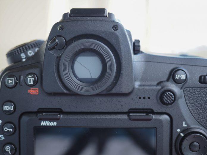 Nikon D850 Vizör kapağı Açık