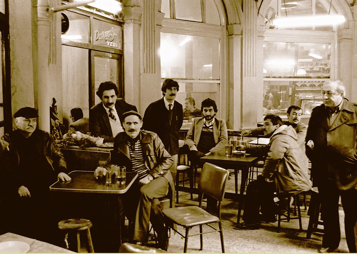 Özcan Yaman - Çiçek Pasajı - Beyoğlu,1983